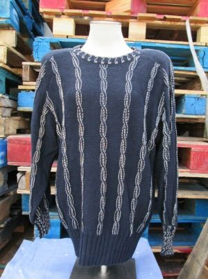 BONNIE BOERER & COMPANY LARGE NAVY BLUE SIMPLE CABLE STITCH SWEATER