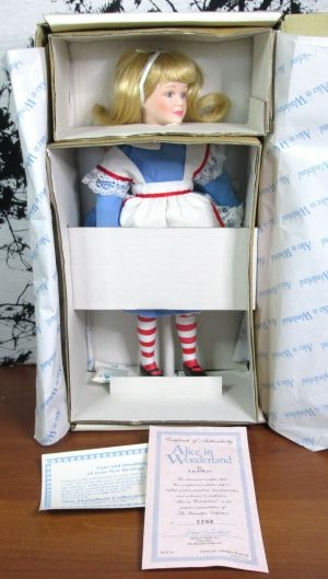 "The Hamilton Collection Lia DiLeo Alice In Wonderland 13"" Porcelain Doll"
