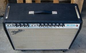 VINTAGE FENDER TWIN REVERB AMPLIFIER SILVERFACE ALTEC 417-8H