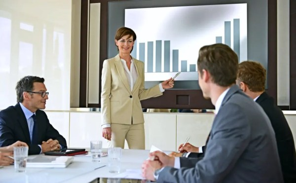 sales-manager-run-effective-sales-meeting-tips