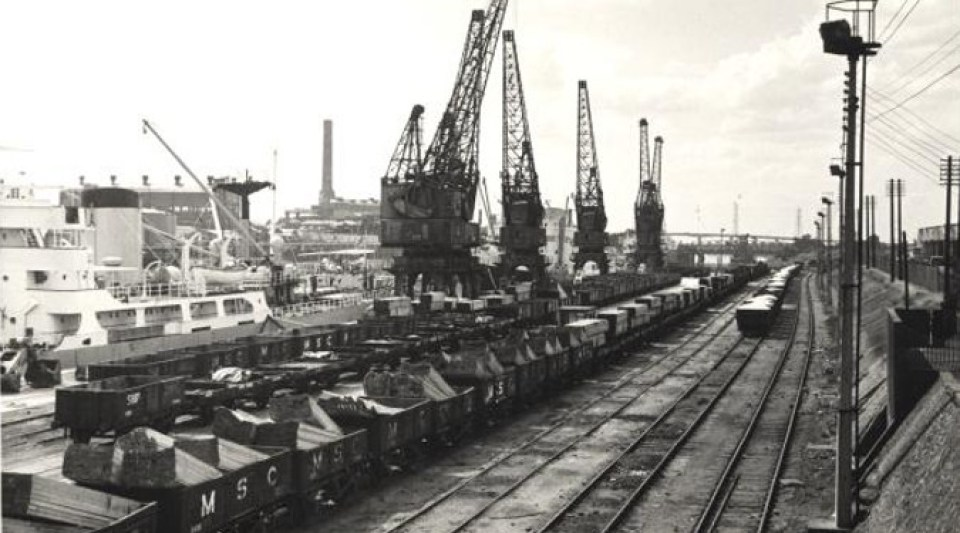 Manchester Ship Canal railway sidings - Irwell Park Wharf - SLHL