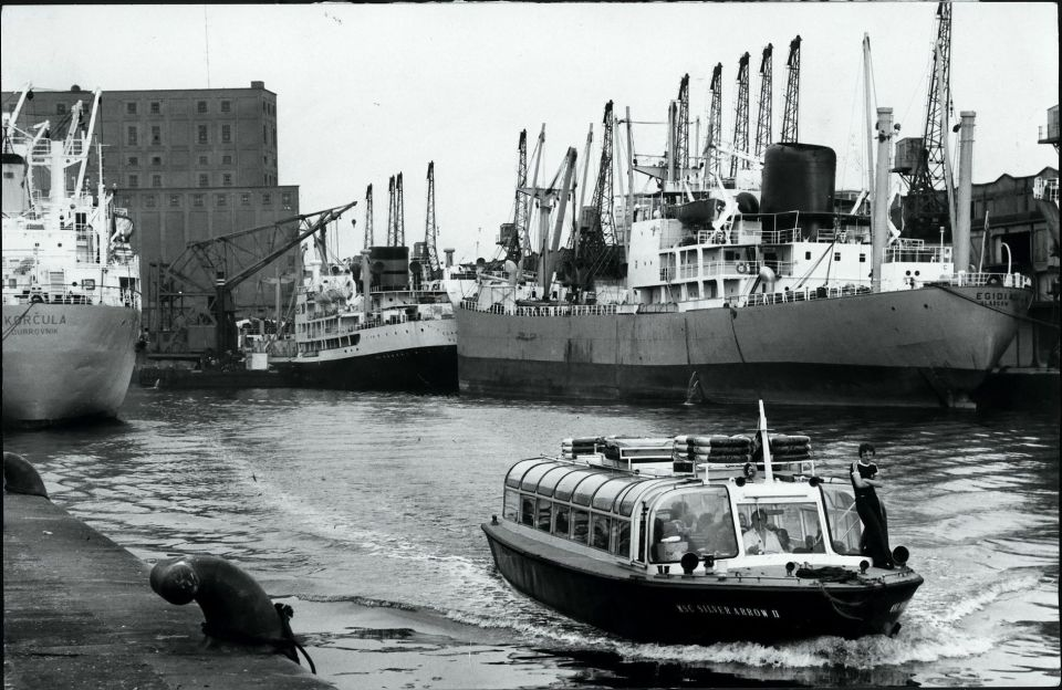 Size of ships at Salford Docks © Manchester Libraries