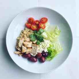 Weekly Meal Prep: Greek Salad Inspired Quinoa Bowls
