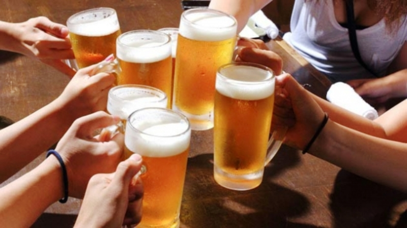 LA CONSOMMATION DE BOISSONS ALCOOLISÉES FAIT-ELLE GROSSIR ?