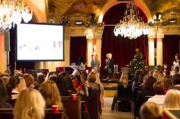 Underbara Ann Söderlund och Kitty på scen i panelen.
