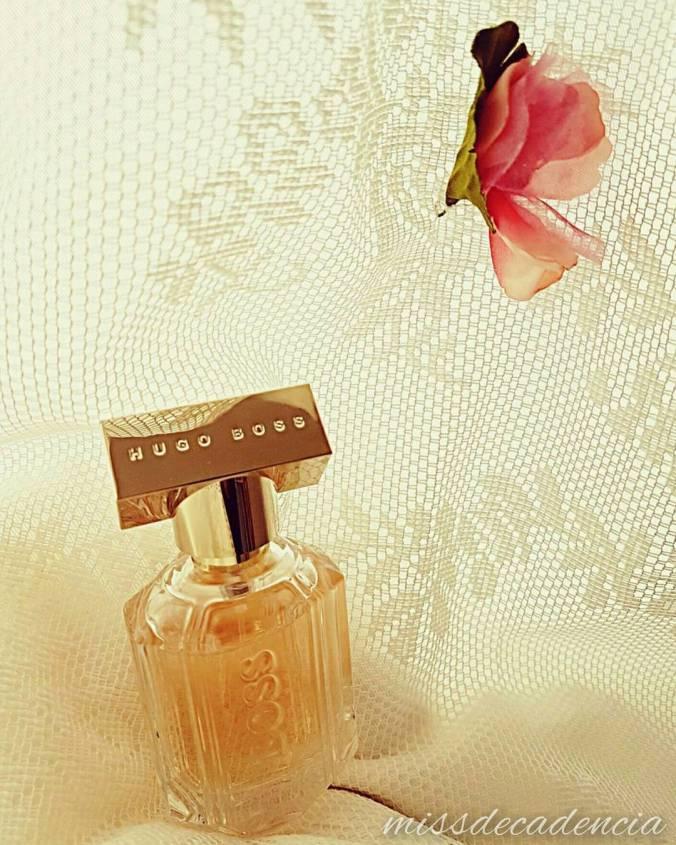 Jag fick ett doftprov på posten och nämnde det kort till maken att jag gillade den doften. Samma dag gick maken och överraskade mej med att köpa den till mej. ❤ #hugoboss #gift #lace #perfume #pink #flower #girly #besthusband #love