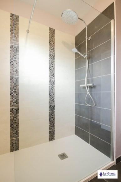 le-grand-plombier-chauffagiste-rennes-bruz-plomberie-amenagement-salle-de-bains-recevur acquabella blanc-vasque-verre
