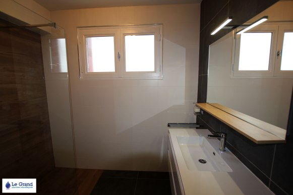 Le-Grand-Plombier-Salle-de-bains-Rennes-Talensac-Douche-imitation-bois (2)
