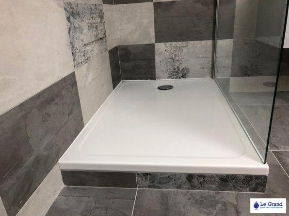 Le-grand-plombier-rennes-salle-de-bains-douche-carreaux-gris-WC (2)