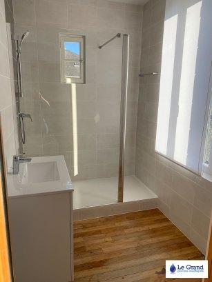 le-grand-rénovation-salle-de-bains-Rennes-plombier-carrelage (1)