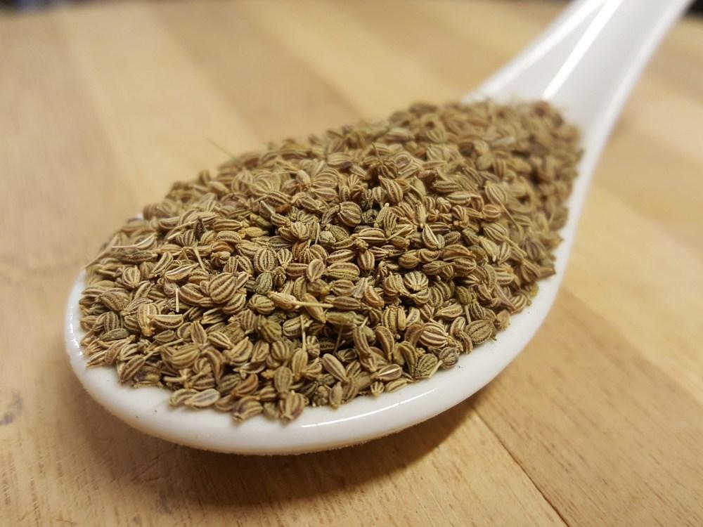 Semillas de ajwan también llamado carom, ajwain o ajowan