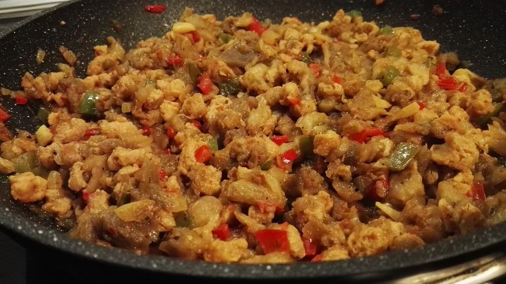 sally pepper-spices-tienda-especias-chiles-salsas picantes-madrid-berenjenas-con-soja texturizada-añadir