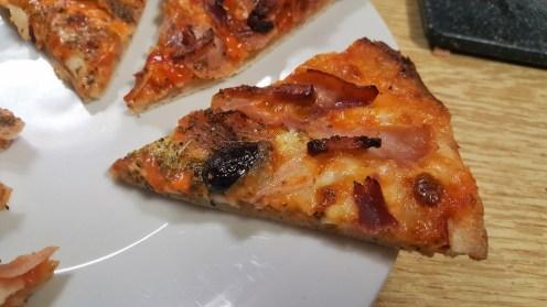 sally pepper-spices-tienda-especias-madrid-pizza-hierbas-aromaticas-sin levadura-cerveza-caleya-porcion