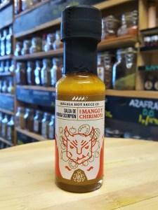 Málaga Hot Sauce. Salsa de Moruga Scorpion con Mango y Chirimoya en la tienda de especias, chiles y salsas picantes Sally Pepper