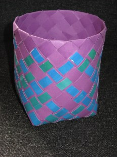 Bias plaited paper basket with overlay