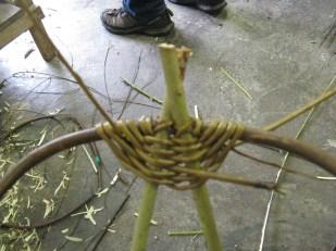 Beginning a sciathog (frame basket)
