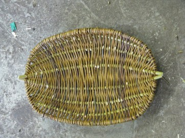oval willow frame basket