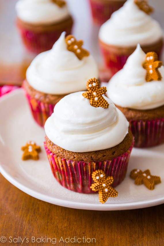 Gingerbread Cupcakes with Cream Cheese Frosting - easy homemade recipe at sallysbakingaddiction.com