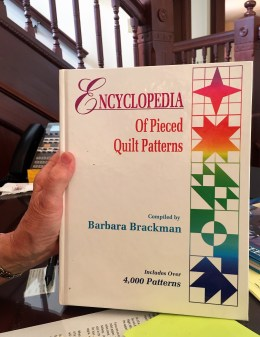 BarbaraBrackman_EncyclopediaOfPiecedQuiltPatterns