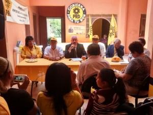 Con rueda de prensa inician campaña candidatos del PRD.