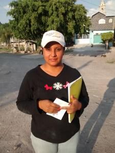 Sra. Brenda Pantoja, habitantes de La Ordeña
