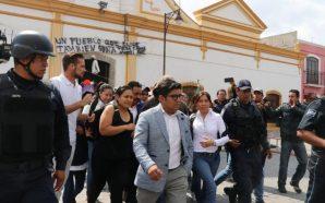Corren a alcalde e incendian presidencia municipal de San Juan…