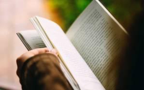 Solo el 45% de la población mexicana lee al menos…
