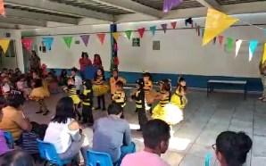 CON DISFRACES, MÚSICA Y BAILE, FESTEJARON PEQUEÑOS SALMANTINOS LLEGADA DE…