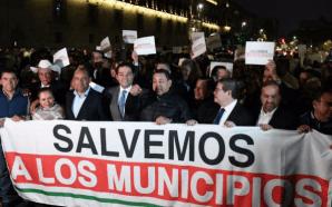 SE ROCIÓ GAS EN PROTESTA DE ALCALDES PORQUE HABÍA UNA…