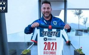 Rayados: 'Turco' Mohamed renovó hasta diciembre del 2021