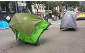 Protestantes en contra de AMLO abandonan plantón y dejan las…