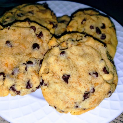 Toffee and chocolate butter cookies.
