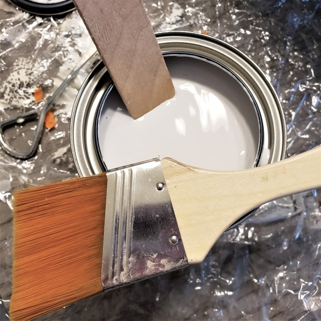 Rust-Oleum chalk paint in Linen White