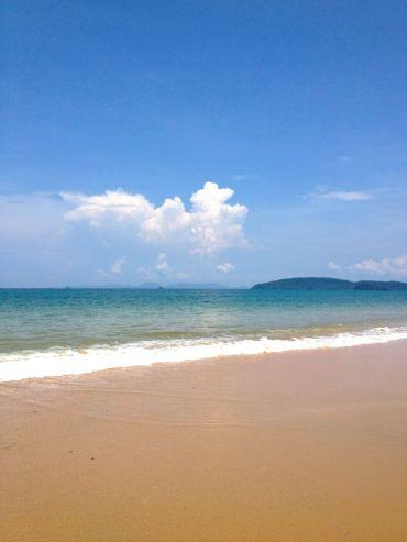 ♥ blue + clouds + ocean