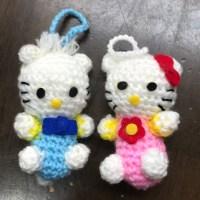 生徒さんがキティちゃんの編みぐるみをを編みました。