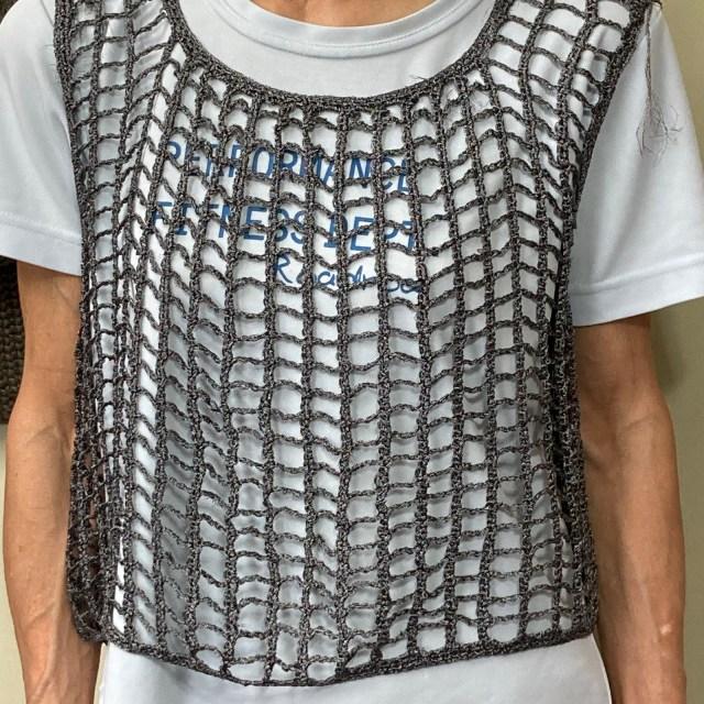 かぎ針編みで横編みベスト