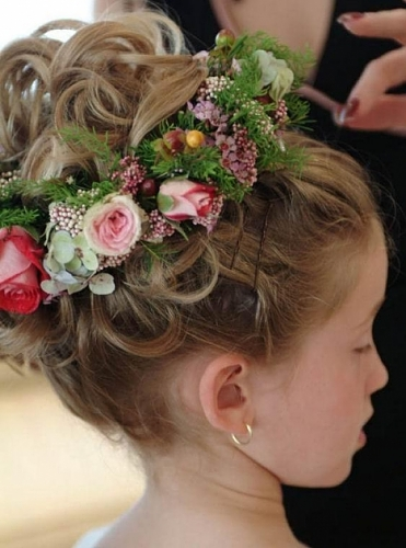 Kid Casual Updos For Curly Hair-flower_girl_hairdo_thumb