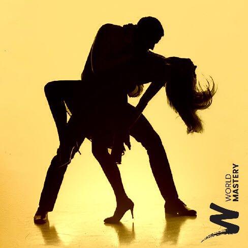 Couple de danseurs en renversé - World Mastery