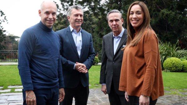 Macri y equipo Fuente: Prensa Mauricio Macri.