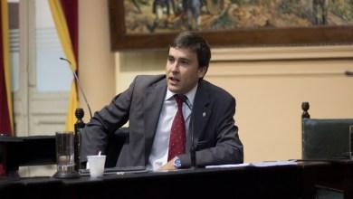Photo of Posadas copió el spot de campaña de Pino Posse
