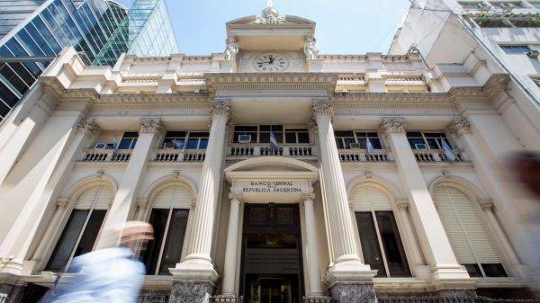 Banco Central dispone nuevo funcionamiento de las entidades bancarias.