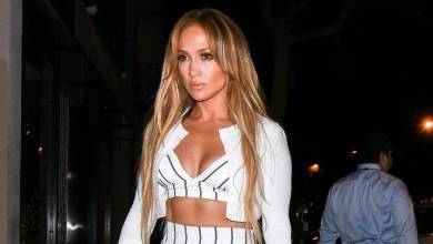 Photo of Jennifer Lopez sorprende con sofisticado look en presentación de su nuevo perfume