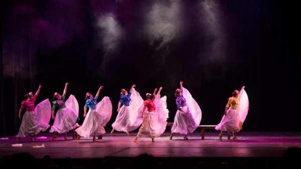 El Ballet Folklórico de la Provincia inicia su Temporada Artística con música en vivo