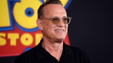 Photo of Tom Hanks brindó un inspirador discurso en una cena de egresados virtual