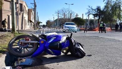 Photo of Inseguridad vial: motociclista chocó contra un camión estacionado y murió en el acto