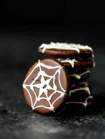Spider Web Halloween Crackers