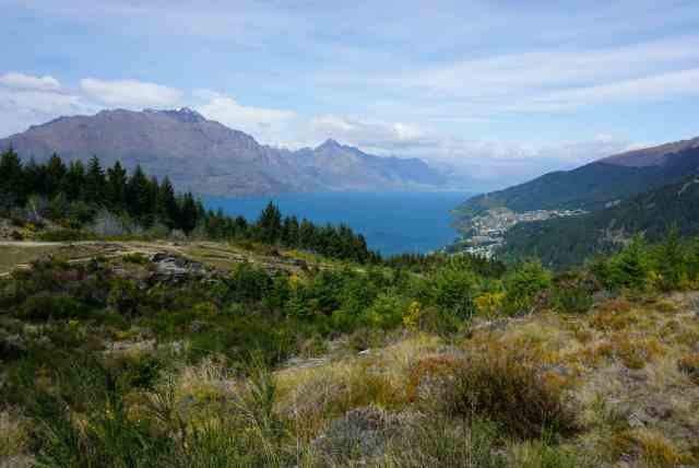 It's hard to pick between Wanaka or Queenstown