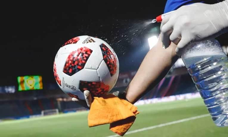 El futbol volvería a Fase 1 Ante el aumento de casos en los planteles