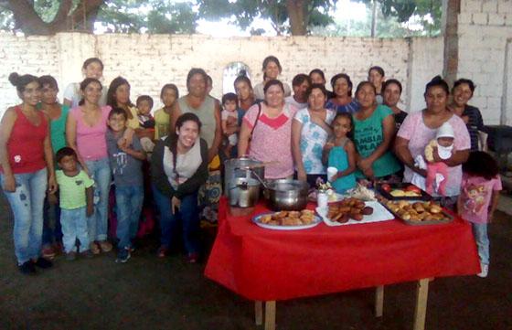 Familias wichís utilizan energías alternativas para cocinar y comercializar sus alimentos
