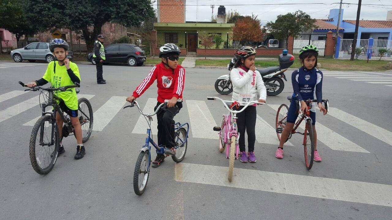 La ciudad cuenta con una Escuela de Triatlón infanto-juvenil gratuita